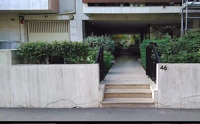 Une entrée de résidence à Paris 14ème