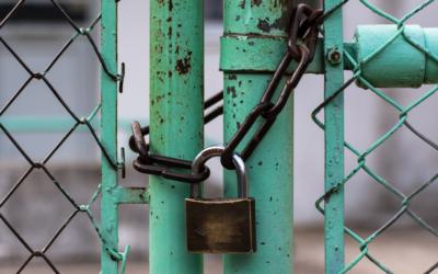 Quels portails et clôtures choisir pour maximiser la sécurité d'un site sensible ?